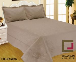 Embroider Quilt Bedding Set Solid Color pictures & photos