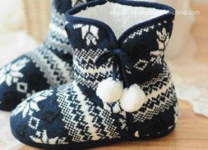 Women′s Indoor Shoes Knitted Indoor Boots Women′s Indoor Boot Socks pictures & photos