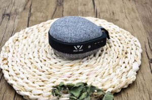 2017 New Hot Selling Outdoor Portable Mini Wireless Fabric Bluetooth Speaker pictures & photos