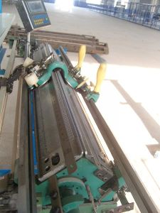 Semi-Automatic Knitting Machine Wholesale pictures & photos