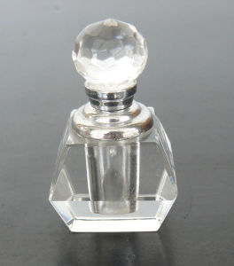 Clear Body Crystal Glass Perfume Bottle (JD-XSP-505) pictures & photos