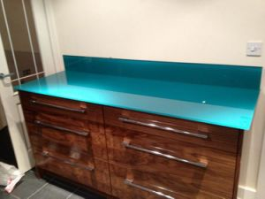 Color Pattern Printed or Painted Toughened Worktop Glass pictures & photos