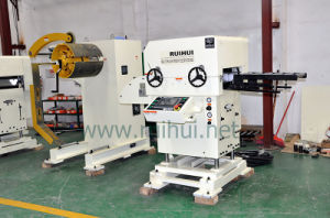 Automatic Feeder with Straightener Use in Press Machine to Make Aluminum Straightening pictures & photos