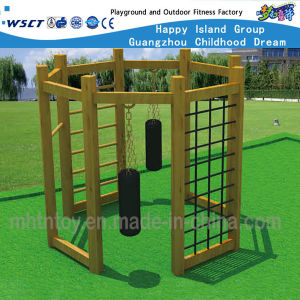 Outdoor Gym Wooden Climbing Training Equipment Hf-17603 pictures & photos