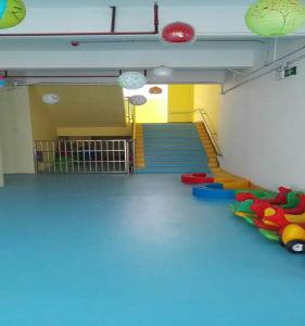 Low Price PVC Vinyl Flooring/ PVC Flooring/Plastic PVC Flooring Roll pictures & photos