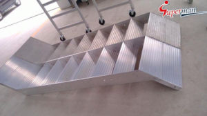 Customize Different Kinds of Aluminum Stair pictures & photos