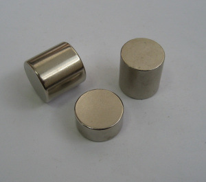 Strong Sintered NdFeB Magnet (UNI-CYLINDER-io2) pictures & photos