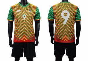 Wholesale Men′s High Quality Soccer Uniform pictures & photos