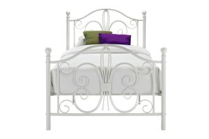 Metal Single Bed/Iron Single Bed pictures & photos