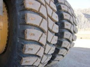 Giant OTR Tire Radial, Mine Dump Truck Tyre 37.00r57 40.00r57 46/90r57 Shgr-V1 pictures & photos