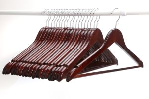 Mohagany Basic Wood Garment / Wooden Clothes Hanger Hangers for Jeans pictures & photos
