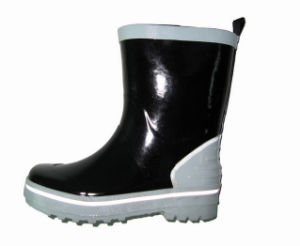 Hot Sell Children Rubber Boots for Europe Market pictures & photos
