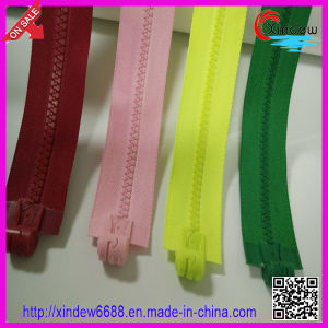 Single Hand Magnet Zipper pictures & photos