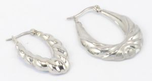 Big Hoop Earrings Stainless Steel Earrings for Young Women Fashion Jwelleries pictures & photos
