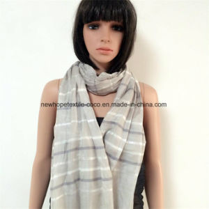 100% Polyester Fashion Scarf with Sliver, Tassels pictures & photos
