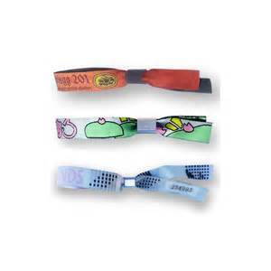 Customized Cartoon Style Textile Woven Wristband pictures & photos