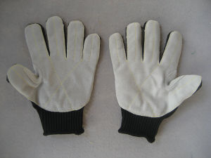 Black Polyester Steel Wire Cow Split Leather Cut Resistance Glove-2365 pictures & photos