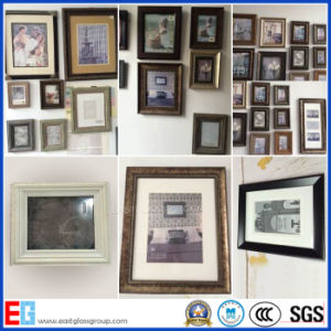 Wooden Wall Picture Frame / Photo Frame pictures & photos