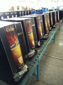 Luxury Hot Coffee Vending Machine F305t pictures & photos