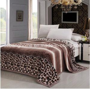 High Quality 100%Polyester Super Comfortable Flanen Blankets pictures & photos