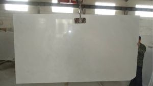 Snow White Marble Slab and Floor Tiles pictures & photos