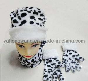 Customized Lady Knitted Winter Warm Printed Polar Fleece Set pictures & photos