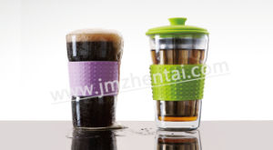 Personal Silicon Grip Glass Tea Cup with Infuser and Stainless Steel Cap pictures & photos