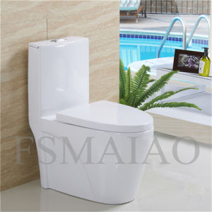 Sanitary Wares Bathroom Plumber Siphonic Ceramic One Piece Toilet (8106) pictures & photos