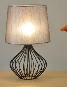 Contemporary Hotel Desk Lamp Lighting with Fabric Shade pictures & photos