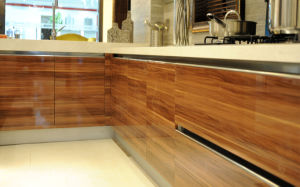 MDF High Gloss UV Kitchen Cabinets (ZX-005) pictures & photos