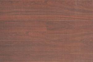 HDF AC3 E1 Woodgrain Embossed Laminate Floor pictures & photos