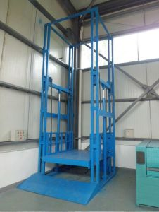 Factory Used Hydraulic Vertical Cargo Elevator pictures & photos