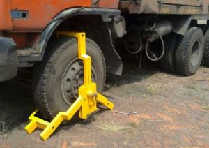 Wheel Vehicle Clamp for Trucks (CLS-02) pictures & photos