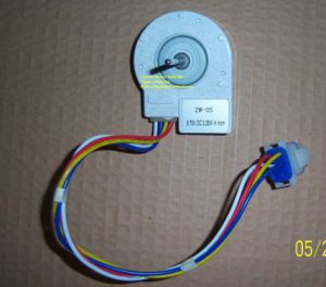 High Quality 9.75V DC Motor for Ge Refrigerator pictures & photos