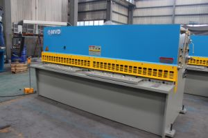 Mvd High Precision Hydraulic Shearing Machine 4mm Steel Plate Cutting Machine 2500mm pictures & photos