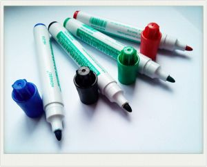 Dry-Erasable Whiteboard Marker Pen for Office Supply pictures & photos