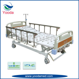 Three Function Manual Hospital Medical Bed with Central Castor pictures & photos