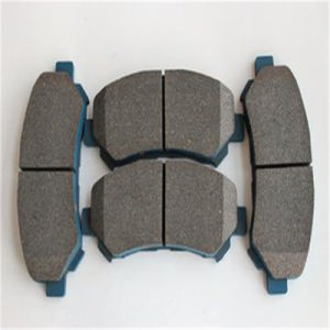 04466-12130 Less-Metal Semi-Metal Ceramic Material Brake Pads for Toyota D1354 pictures & photos