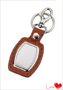Customized Promotional Cheap Leather Keychain (YB-LK-03) pictures & photos