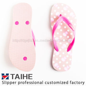 High Quality Factory Custom Printing Rubber Flip Flops Women Slipper pictures & photos