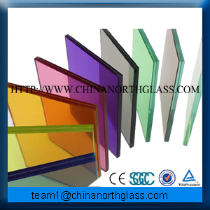 Low Price Break Resistant Color Laminated Tempered Glass pictures & photos