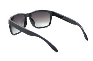 Latest Design Fashion High Quality UV 400 Protection Sunglasses pictures & photos