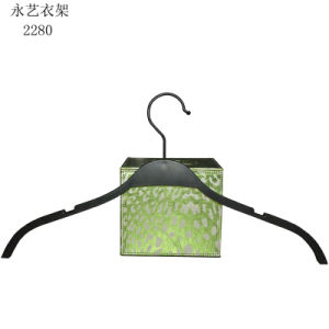 Thin Durable Hanger with Metal Clips pictures & photos