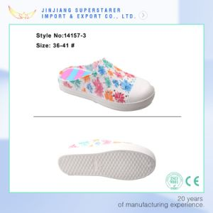 EVA Women Lazy and Convenience Clog with Flower Printing Upper pictures & photos