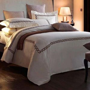 100% Cotton Textile Discount Bed Linen for Hotel (DPF10731) pictures & photos