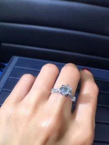 925 Silver Ring with Cubic Zircon pictures & photos