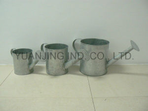 High Quality Old Zinc Watering Can in Ancient for Gardening pictures & photos