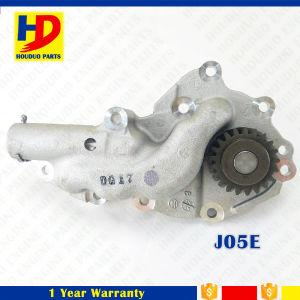 J05e J05c Engine Spare Parts High Pressure Oil Pump (15110-2160) pictures & photos