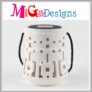 Amazing Ceramic Fragrance Lamp with Hand-Make Carving pictures & photos