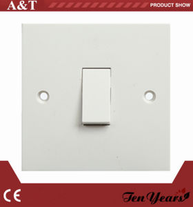 CE Approved 10A 1-G 2-W Wall Switch pictures & photos